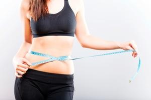 mesures-de-circonference-du-corps-pour-mesurer-le-pourcentage-de-graisse-corporelle
